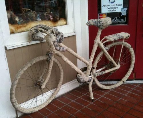 Bike sweater knotty