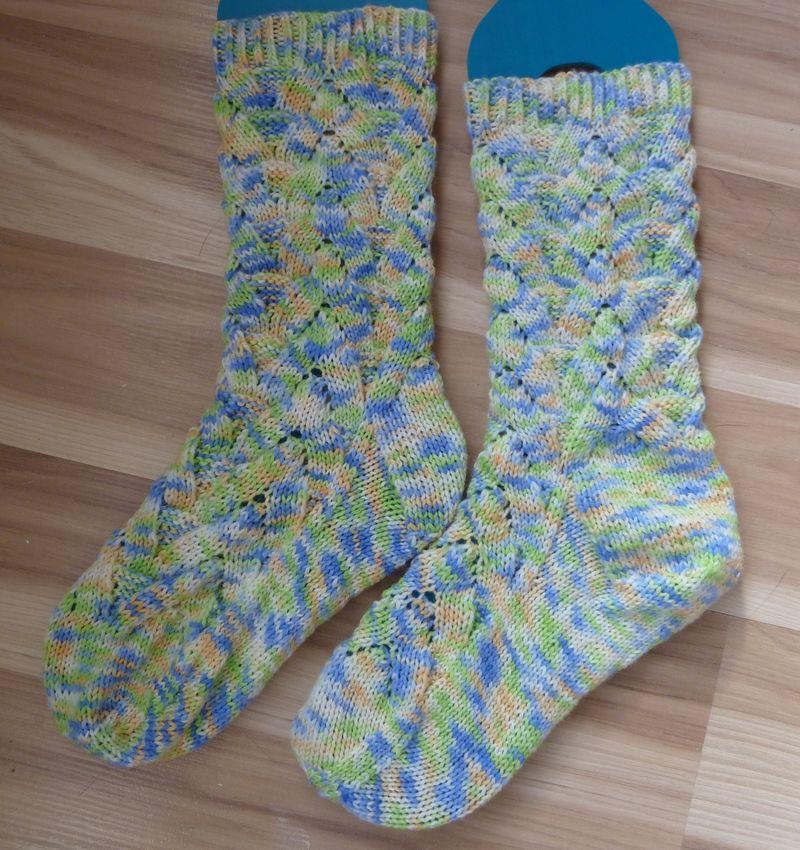 Monkey socks FO